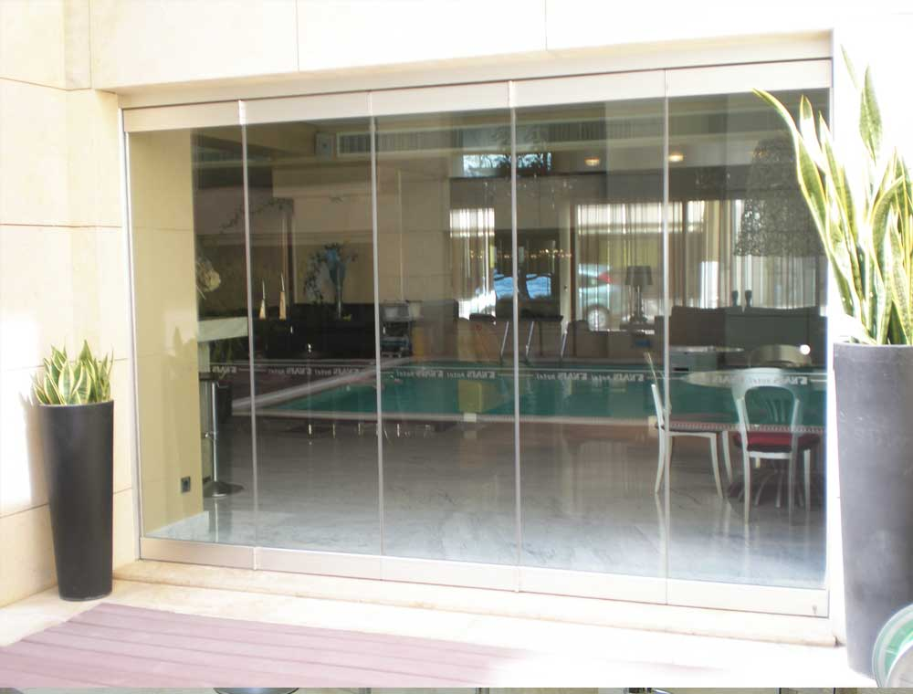 Glass Wall Movable
